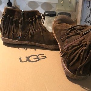 Ugg Moccasins Brown Suede Leather Size 7